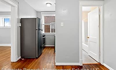 Bathroom, 2116 Maury Ave, 1
