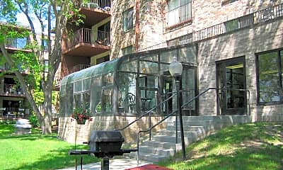 Rosewood West Apartments, 1
