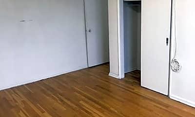 Bedroom, 530 E 234th St, 1