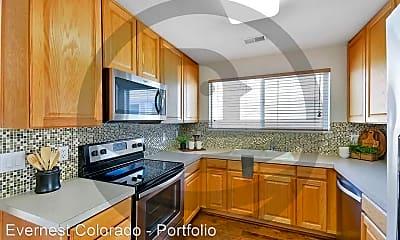 Kitchen, 4915 Hahns Peak Dr, 1