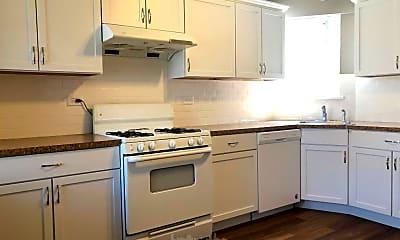 Kitchen, 2054 W Roscoe St, 1