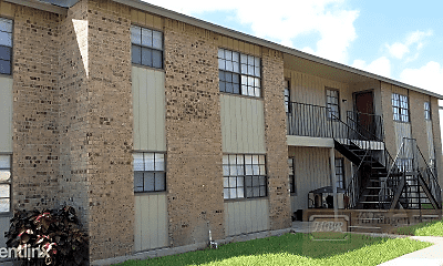 Building, 709 Tumbleweed Dr, 1