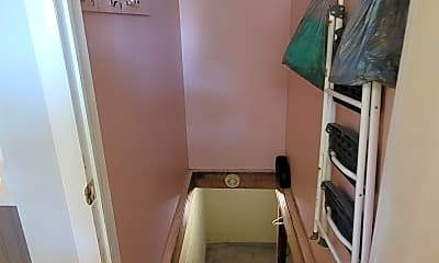 Bedroom, 1297 Plum St, 2