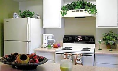 Kitchen, 2121 Madison Dr, 2