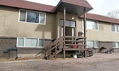 Building, 1075 Magnolia St, 1