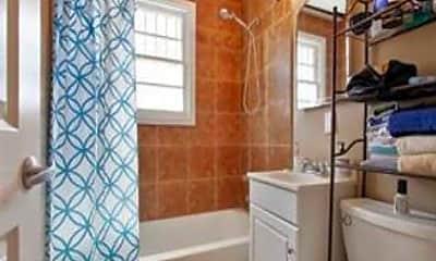 Bathroom, 1027 Austerlitz St, 2