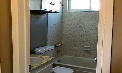 Bathroom, 4463 Ohio St, 2