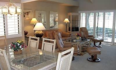 Living Room, 107 Racquet Club Dr S, 1