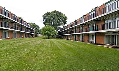 Courtyard, Creswood Apartments, 0