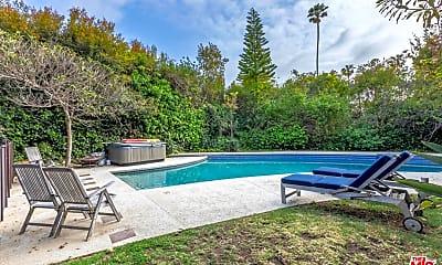 Pool, 196 N Carmelina Ave, 2