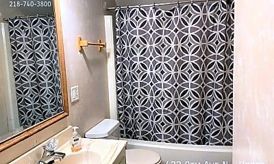 Bathroom, 422 9Th Ave N - Upper, 2
