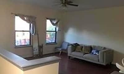 574 Lexington Ave 2ND, 1