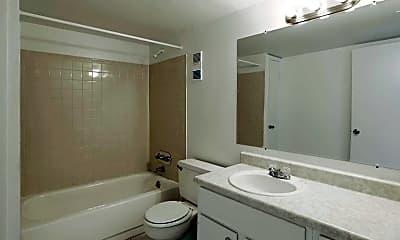 Bathroom, Woodlake Villas, 2