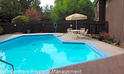Pool, 364 Catherine St, 2