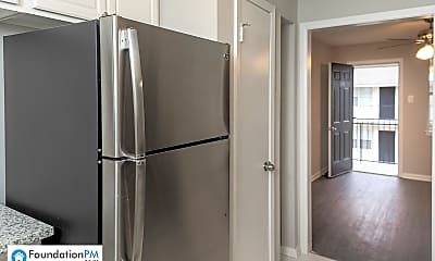 Kitchen, 267 Greenlaw Ave, 1