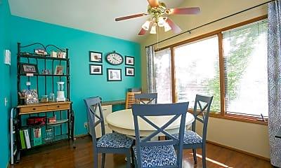 Dining Room, 14915 NE Sacramento St, 1