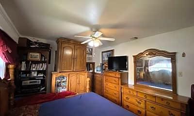 Bedroom, 130 Saratoga Dr, 2