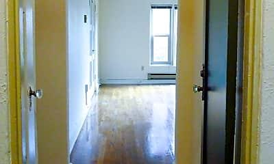 Building, 420 13th Ave E, 1