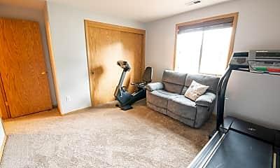 Living Room, 527 NW Elm St, 2