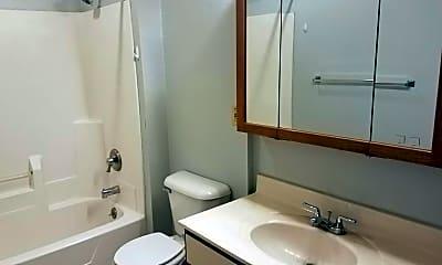 Bathroom, 821 5th Ave S, 2