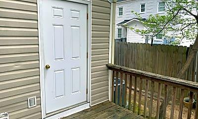 Patio / Deck, 920 Woodrow St, 2