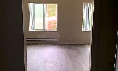 Living Room, 35 Kent Ct, 1