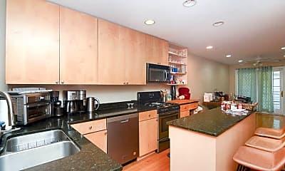 Kitchen, 728 N Willard Ct, 1