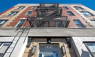 Building, 7222 Broadway, 2