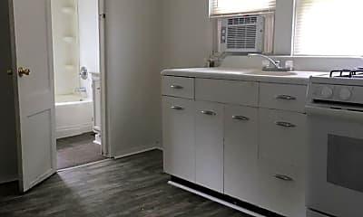 Kitchen, 2001 Hall St, 0