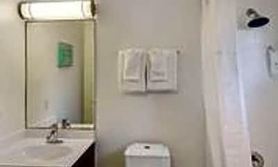 Bathroom, 505 Orton Ave, 2