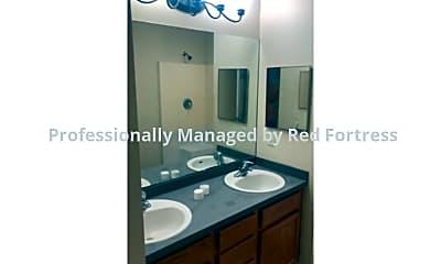 Bathroom, 96 Milwaukee Blvd, 2