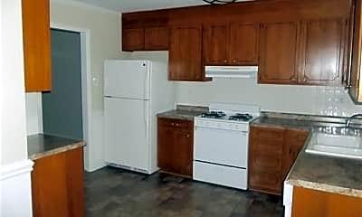 Kitchen, 4703 Fairheath Rd, 1