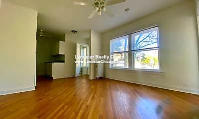 Living Room, 3856 N Clark St, 0