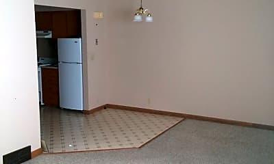 Bedroom, 715 W Washington Ave, 1