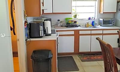 Kitchen, 4089 SW 52nd St 1-2, 2