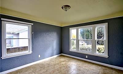 Living Room, 224 S Belle Ave, 2