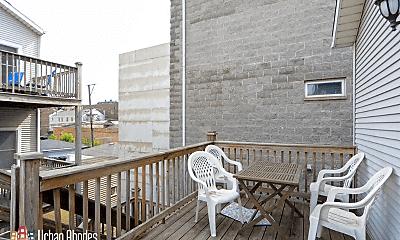 Patio / Deck, 1342 W Hubbard St, 2