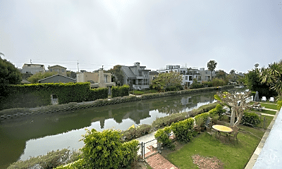 2904 Grand Canal, 0