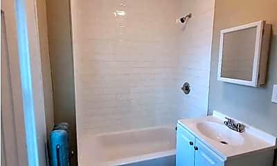 Bathroom, 610 Chancellor Ave, 2