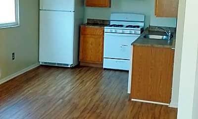 Kitchen, 834 Highview St, 2