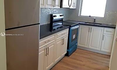 Kitchen, 181 NE 14th Ave 22C, 1
