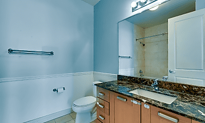Bathroom, 170 W Polk St, 2