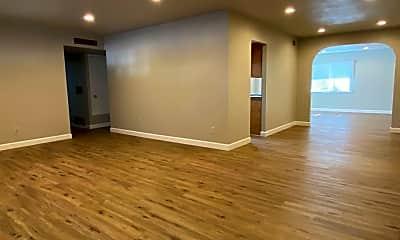 Living Room, 1513 E Laguna Dr, 1
