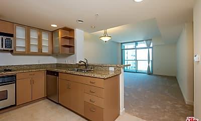 Kitchen, 13700 Marina Pointe Dr 1115, 1