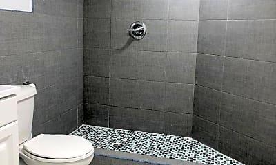 Bathroom, 2414 W 1st St LL, 2