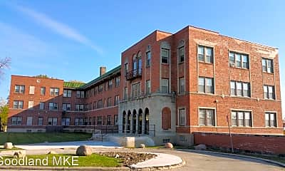 Building, 2822 N 1st St, 2