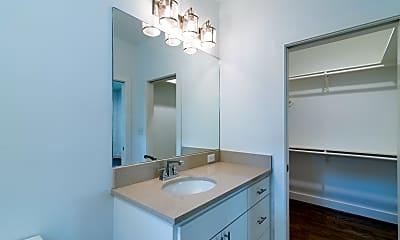 Bathroom, 609 Boundary St, 2