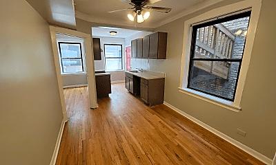 Living Room, 7006 N Paulina St, 2