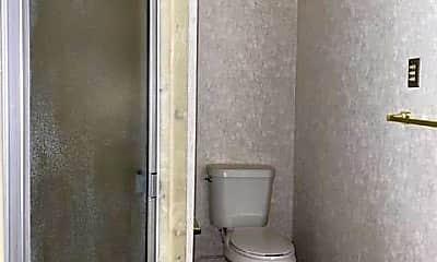 Bathroom, 721 W Dengar Ave, 2