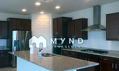 Kitchen, 8756 W Rancho Dr, 1